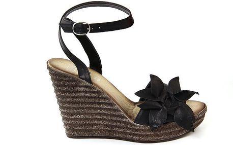 Dámské kožené černé sandálky s květinou Julie Julie