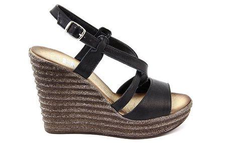Dámské kožené černé sandálky na platformě Julie Julie