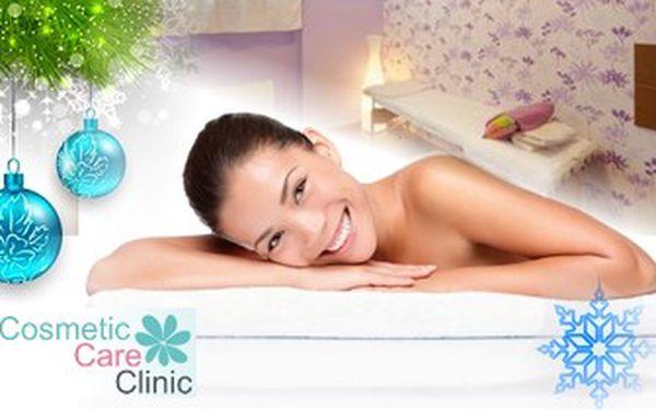Relaxační masáž zad v luxusním prostředí studia Cosmetic Care Clinic. Dobijte baterky za 60 minut.
