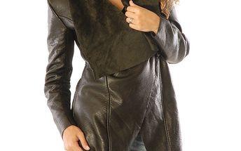 Dámský černý krátký kabát s velkým límcem Silvana Cirri