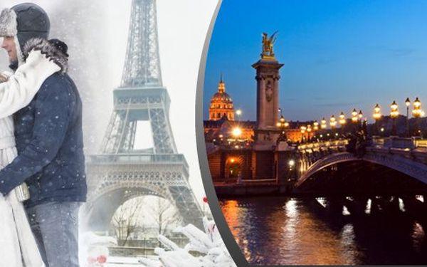 Kde jinde oslavit svátek svatého Valentýna než ve městě zamilovaných? Paříž s noclehem, prohlídkou města + Versailles a plavbou po Seině!