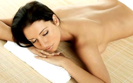 Hodinová masáž zad v kombinaci s reflexní terapií ...