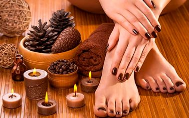 Luxusní čokoládová pedikúra s koupelí nohou v mořs...