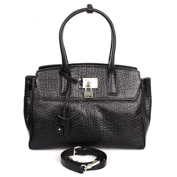Dámská černá kabelka s hrubým povrchem DKNY