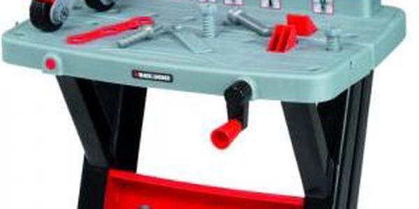 První pracovní stůl Smoby Black&Decker
