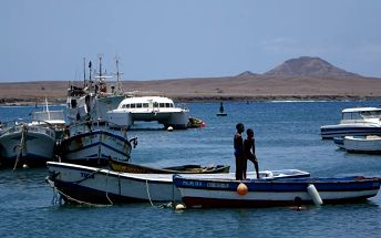 Velký okruh Kapverdskými ostrovy, Afrika, Kapverdy, letecky, strava dle programu