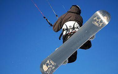 Adrenalinový kurz snowkitingu v Krušných horách s instruktorem.