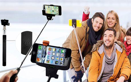 Selfie držák s Bluetooth spouští v rukojeti