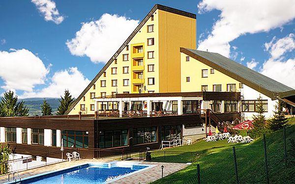 3denní pobyt pro 2 osoby se snídaní v hotelu Jelenovská v Bílých Karpatech