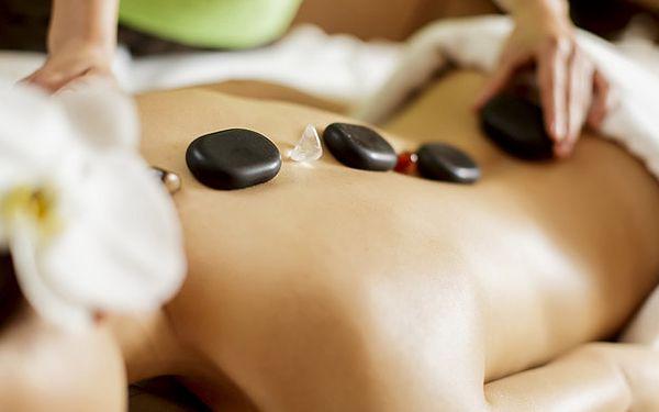 Úžasná hodinová masáž lávovými kameny