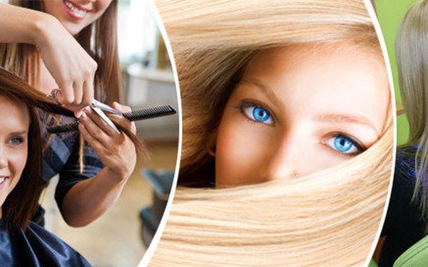 Střih se závěrečným stylingem pro všechny délky vlasů