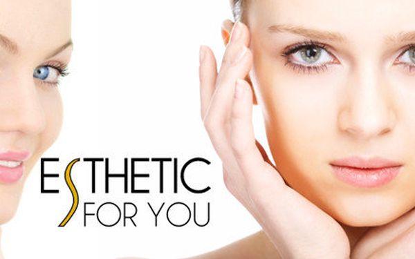 Kosmetické ošetření pleti v délce 60 minut včetně masáže obličeje, peelingu a úpravy obočí