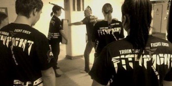 1 lekce SEBEOBRANY - naučte se bránit! Vyzkoušejte si KRAV MAGA - účinný systém sebeobrany.