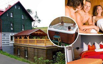 Zimní dovolená pod Klínovcem - pobyt pro dva na 3 dny v hotelu*** Star 1 nebo Star 2. Snídaně, 3chochodové menu k večeři, privátní finská sauna, venkovní vířivka, sleva na skipasy a na zapůjčení lyžařského vybavení a Skibus karta!