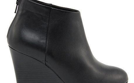 Dámské černé kotníkové boty na klínku Eye