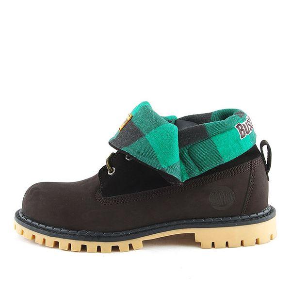 Černé boty s ohrnutou zelenou částí Bustagrip