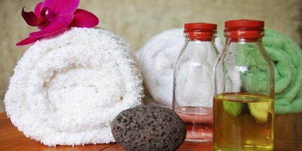 Valentýnský poukaz na masáž dle vlastního výběru v délce 60min. V nabídce je ruční lymfatická masáž, relaxační a regenerační masáž s éterickými oleji, Breussova masáž třezalkovým olejem nebo Havajská masáž Lomi-Lomi.