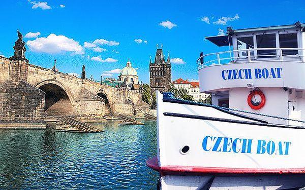 2hodinová obědová nebo 3hodinová večerní plavba lodí po Praze pro 1 osobu