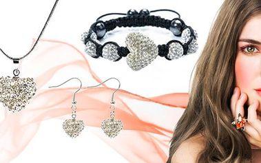 Třpytivý Shamballa set 3v1 Hearts s čirými krystaly.Zasáhněte svou vyvolenou amorovým šípem a obdarujte ji krásným dárkem.