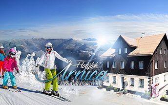 Pobyt na TŘI až PĚT dní s PLNOU PENZÍ v blízkosti Skiareálu Klínovec! Skibus, WiFi a polévka po lyžích zdarma!