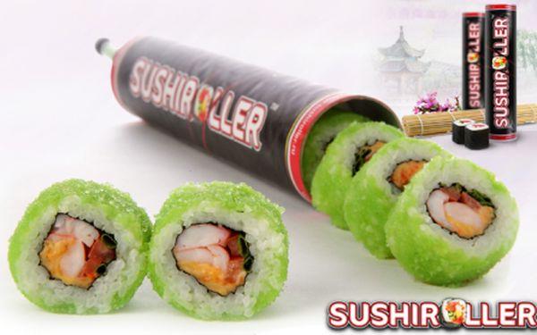 Parádní novinka! SUSHIROLLER: vychutnejte si nejoblíbenější druhy sushi za chůze, na cestách, v práci i doma! V patentovaném obalu máte 8 kusů skvělého sushi, sójovou omáčku i porci wasabi! Pobočky v Palladiu a OC Harfa!