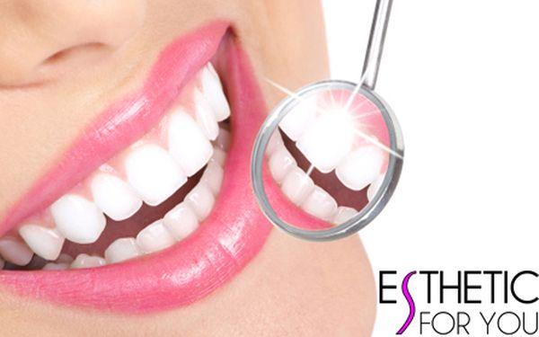 BĚLENÍ ZUBŮ BEZ PEROXIDU za fantasticky nízkou cenu! Profesionální a vyhledávané studio Esthetic For You na Andělu! Šetrné a účinné bělení zubů pro krásný a zářivý úsměv ihned a bez námahy!