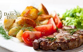 2 x 300gramový steak z krkovičky s americkými bramborami, omáčkou a vídeňskou cibulkou v Pardubicích!