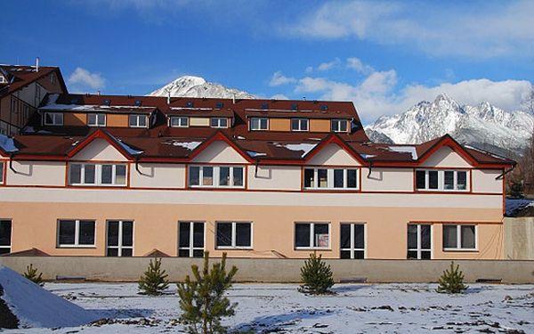 Tatry v nově otevřeném apartmánovém domě Slavkov pro rodiny s dětmi včetně skipasů
