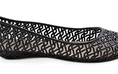 Černé gumové baleríny