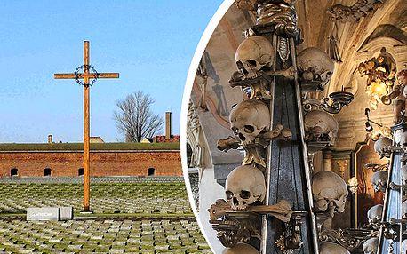 Koncentrační tábor Terezín a hřbitovní kostel plný kostí