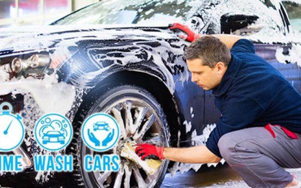 Ruční mytí automobilu, profesionální technikou a autokosmetikou! Na výběr jsou 4 různé programy!