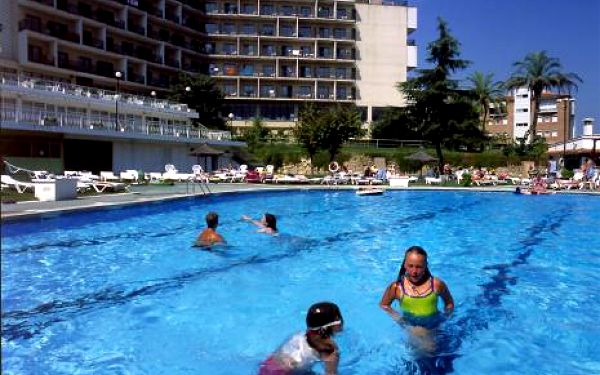 Španělsko, oblast Costa Brava, letecky, polopenze, ubytování v 3* hotelu na 11 dní