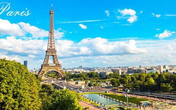 Zajeďte si na nákupy do Paříže na Champs-Élysées!