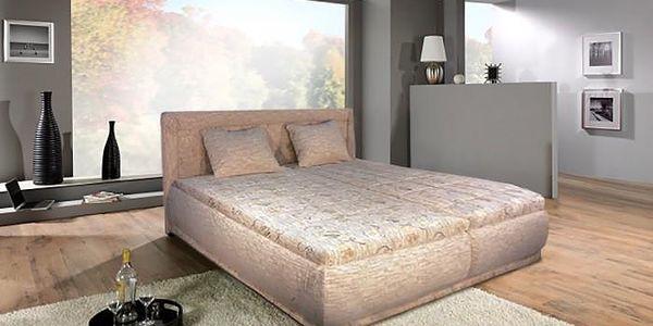 Velmi hezká čalouněná postel Harmonie