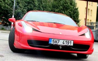 Zážitkový okruh ve Ferrari, Lamborgini nebo Chevroletu!