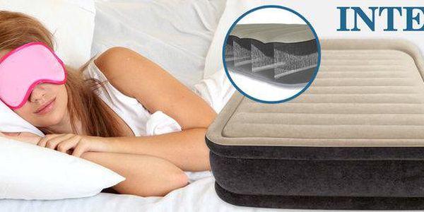 Nafukovací postele s vestavěnou pumpou