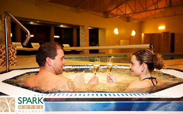 Romantická noc ve wellness hotelu Spark ***