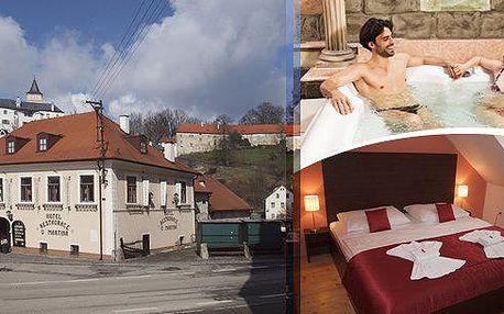 Rožmberk nad Vltavou - Pobyt pro 2 osoby na 3 dny v hotelu U Martina s polopenzí - snídaně, slavnostní večeře, 1 hodina privátní whirllpool nebo sauny, míchané drinky a další výhody.