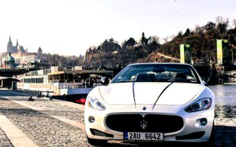 15, 30 nebo 60 minut jízdy v Maserati