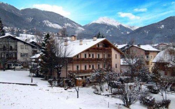 Itálie, oblast Val di Fiemme/Obereggen, snídaně, ubytování v 3* hotelu na 6 dní