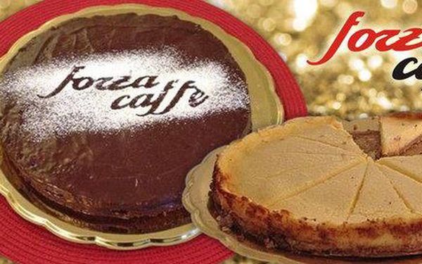 Celý sacher nebo cheesecake z Forza Caffé