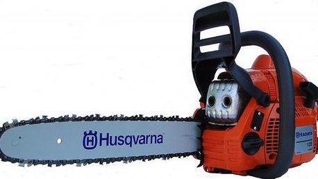 Lehká a výkonná benzínová pila Husqvarna 135