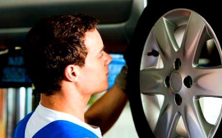 Přehození celých kol nebo pneumatik v ověřeném servisu!