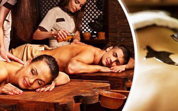 Uvolňující masáž s čokoládovým či bahenním zábalem