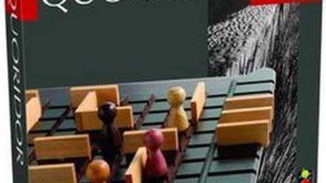 Quoridor dřevěná abstraktní hra, ve které bludiště stavíte a současně z něj hledáte cestu ven.