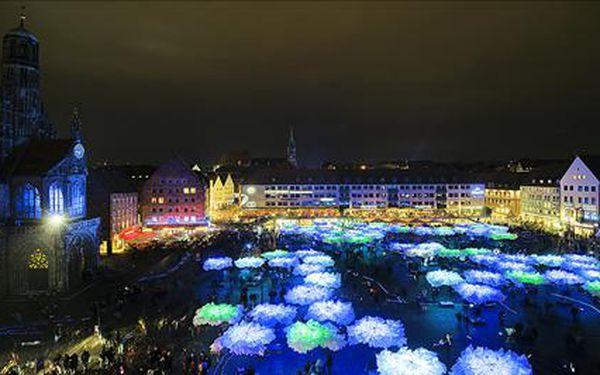 Blaue Nacht, jednodenní poznávací zájezd do německého Norimberka na 16.ročník festivalu Modra noc.Termín 2.5.-3.5.