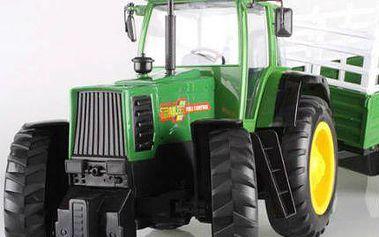 RC model traktoru s valníkem na zahradu!