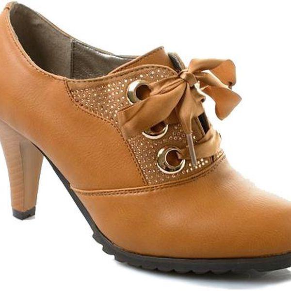 Dámské jarní boty na podpatku