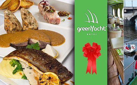 Luxusní romantická večeře na lodi GreenYacht pro dva