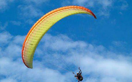 Tandemový let na paraglidingovém křídle